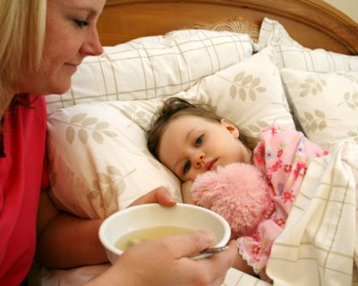 Дефіцит вітамінів, недотримання санітарних правил і інші причини, чому дитина хворіє в дитячому садку