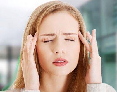 3 причини, чому у вас паморочиться і болить голова