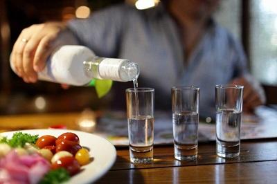 Як алкоголь пошкоджує вашу печінку
