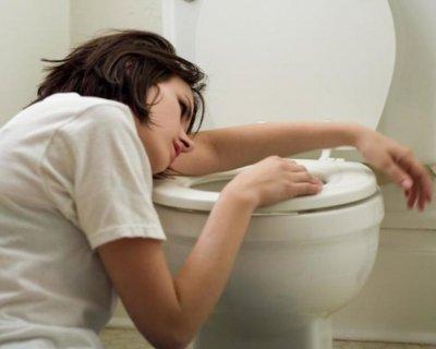 12 природних способів позбавитися від нудоти без ліків