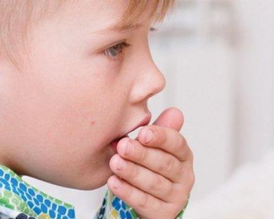 У дитини не проходить кашель: діагностика, причини, лікування