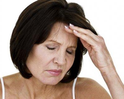 Запитали у гінеколога: як поводяться місячні перед клімаксом і під час менопаузи