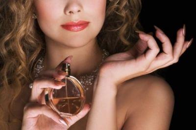 Духи з феромонами: 5 фактів, які доводять, що вони не працюють